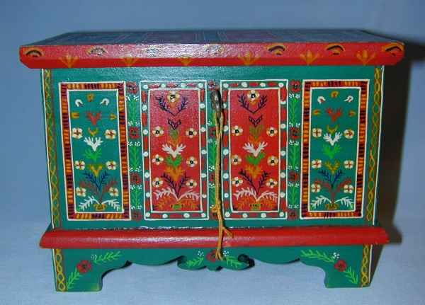 Elegant Many Hope Chests Painted With A Similar Style Are Called Pennsylvania Dutch.  Books On These Styles Can By Found At AbeBooks.com